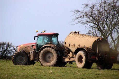 Carefully Approach Spring Manure Applications