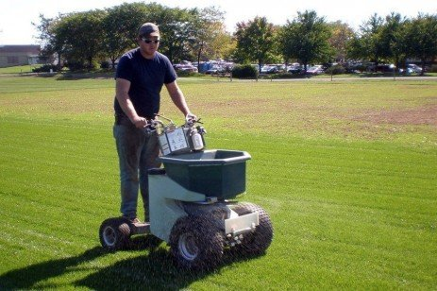 Enhanced Efficiency Nitrogen Fertilizers for Turfgrasses
