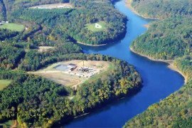 Marcellus shale drilling in progress, Beaver Run Reservoir, Westmoreland County. Credit: Robert Donnan.