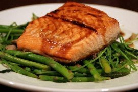 Salmon with Soy Honey & Wasabi Sauce by Maggie on flickr.com CC By 2.0