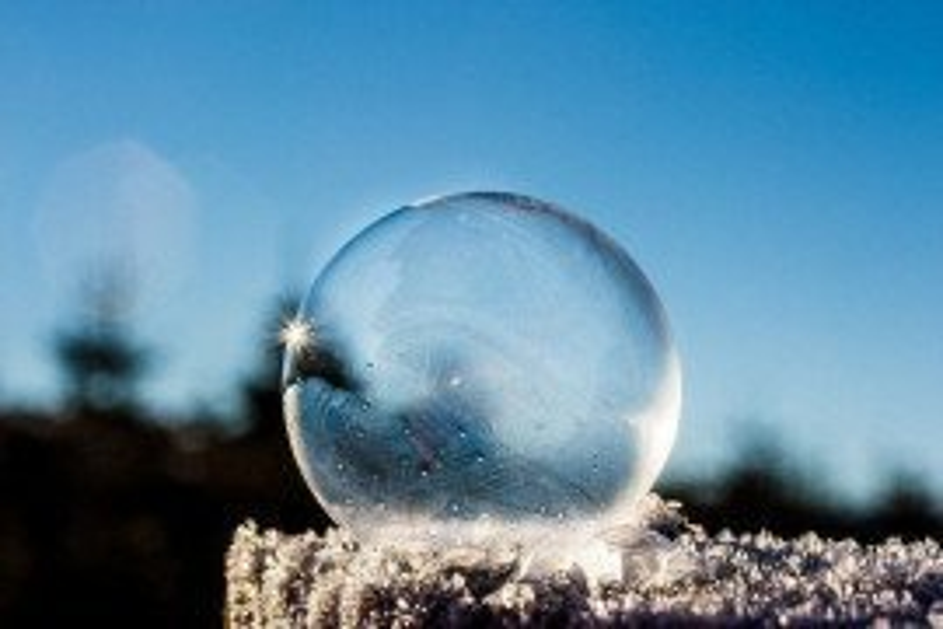 Frozen bubble by Miariams-Fotos. Pixabay.com cc0